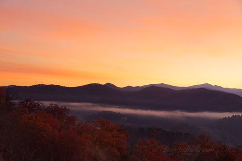 autumn danandhollythompson fall fallcolors foothillsparkway gsmnp greatsmokymountainsnationalpark sunrise autumncolors danandhollycom mountains
