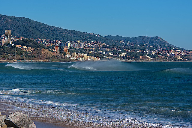 Badalona waves