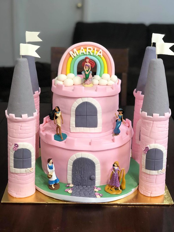 Cake by La ROSE Patisserie