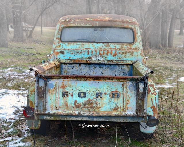 Foggy Ford_203414