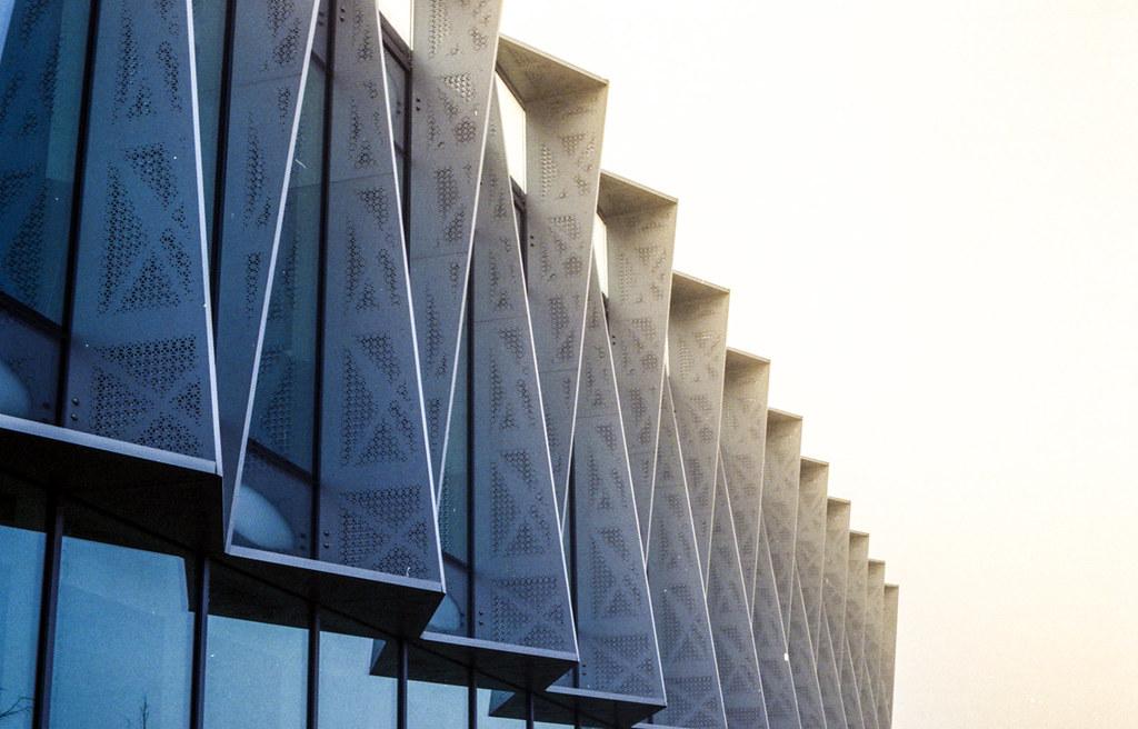 Arm's building