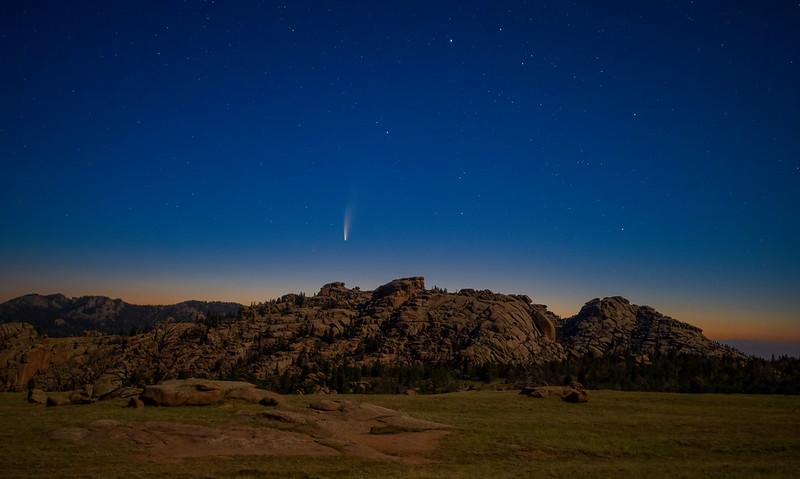 Neowise comet at Vedauwoo