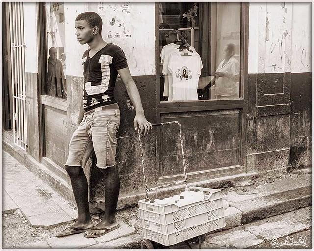 00 Resolviendo en la Habana_Earning livingin the Havana.