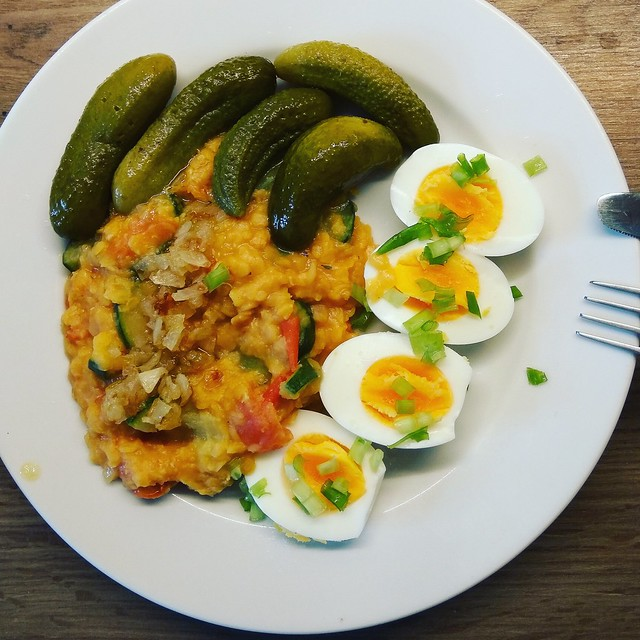 Vegetarian red lentils+eggs+pickles🌱✨