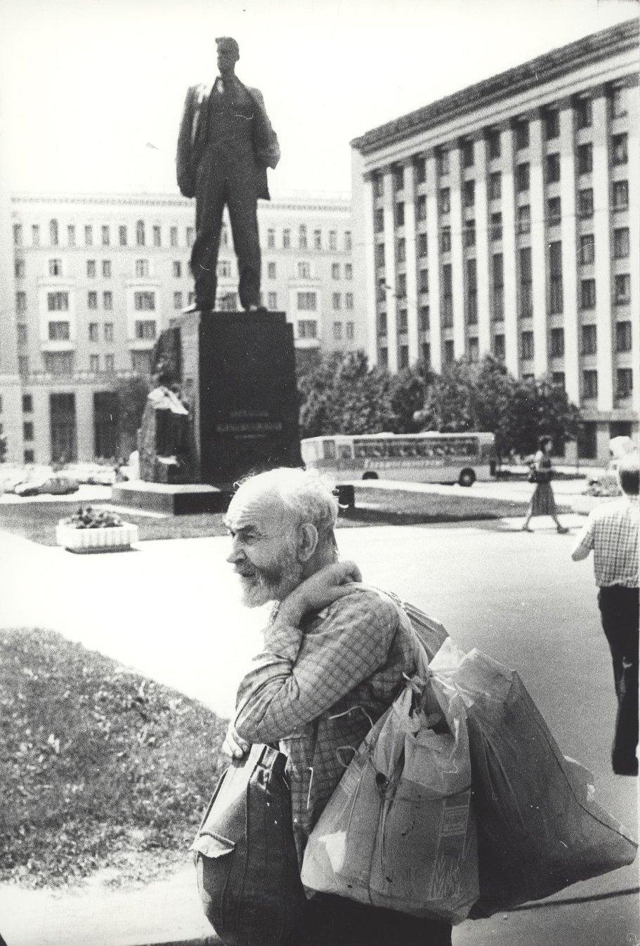 13. На площади Маяковского