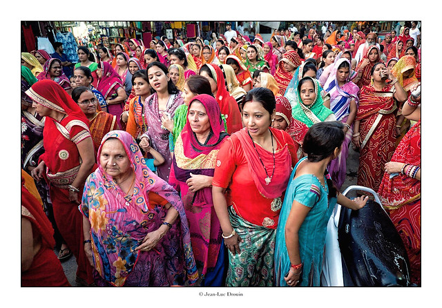 Défilé de femmes