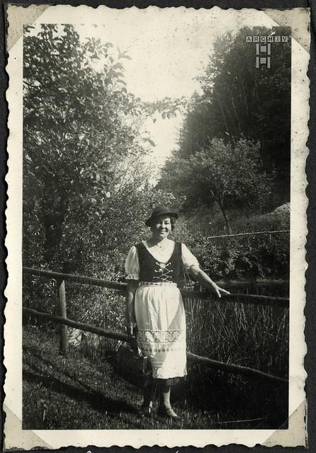 ArchivTappen2AAl2c281 Frauenporträt, Österreich, 1930-1941