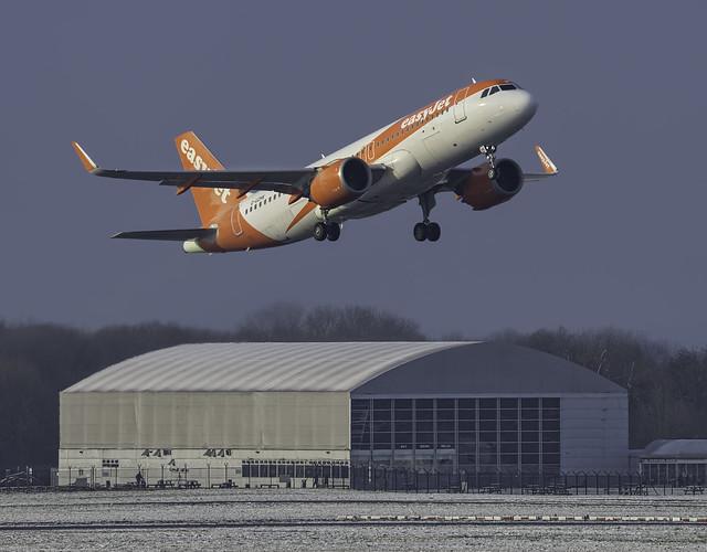 Easyjet 05L Departure