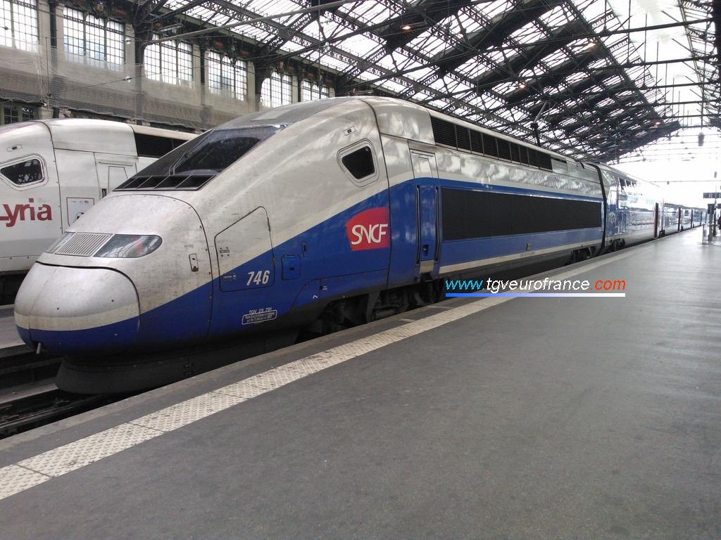 La rame TGV Dasye 746 SNCF en attente d'un nouveau service commercial &agra;e Paris Gare de Lyon