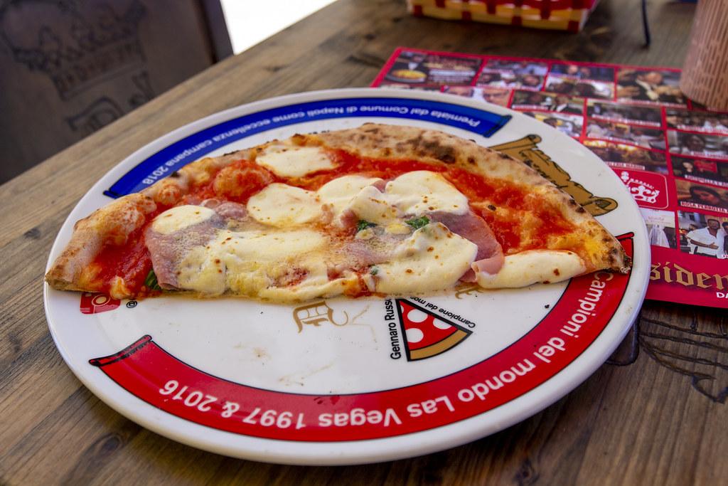 Pizza Capriciosa - Capri