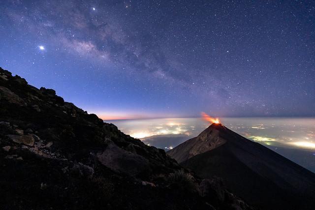 MilkyWay volcano eruption lava sky @diegorizzophoto