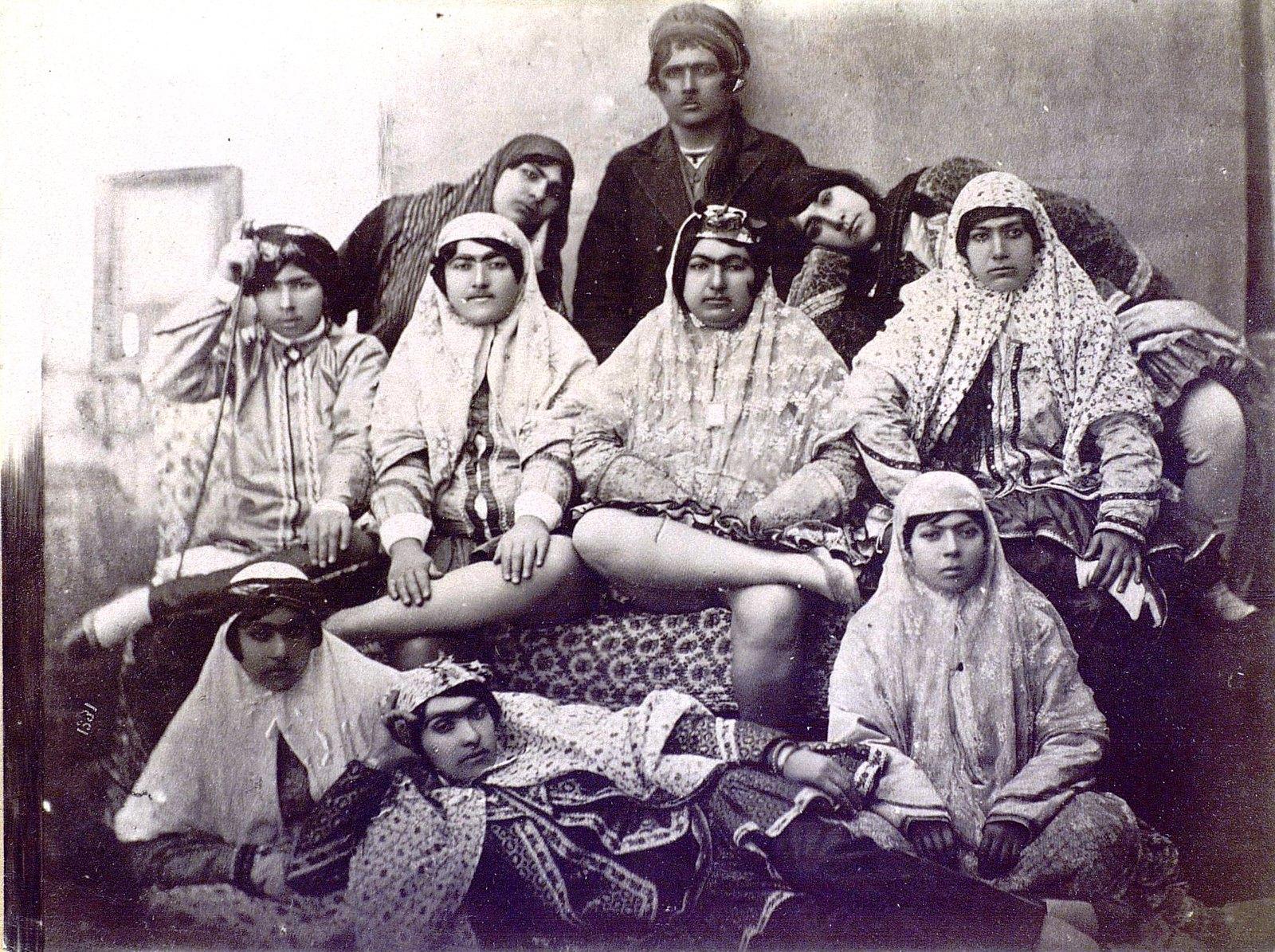Женщины в гареме (2)