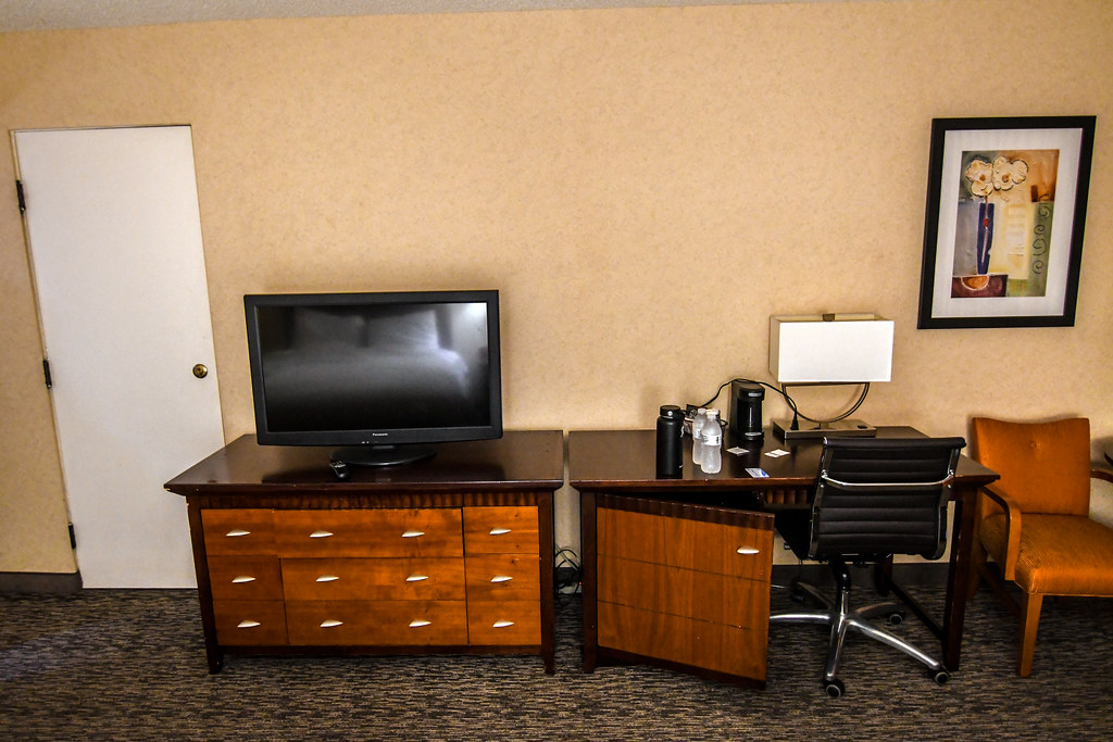 TV Dresser Anaheim Portofino