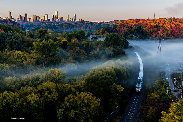 Autumn fog in Don Valley