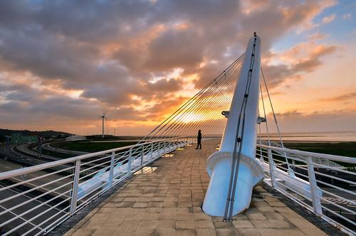 taiwan hsinchu sunset outdoors landscape sky cloud xiangshan bridge 台灣 新竹縣 香山區 豎琴橋 行人天橋 西濱 夕陽