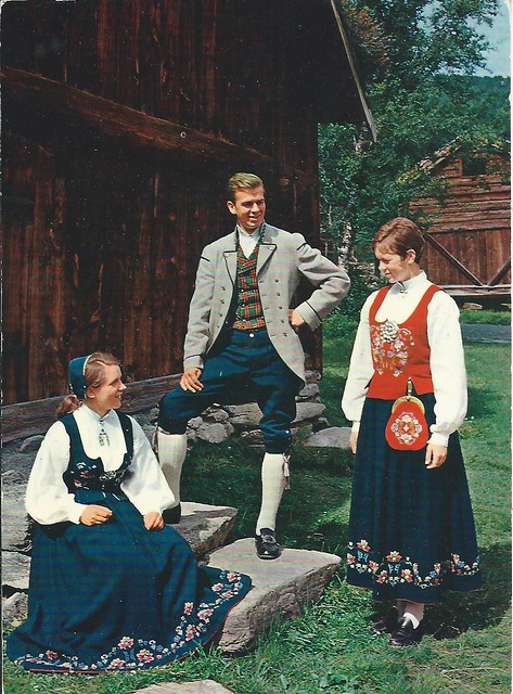 National costumes from Norway, the Romsdal district