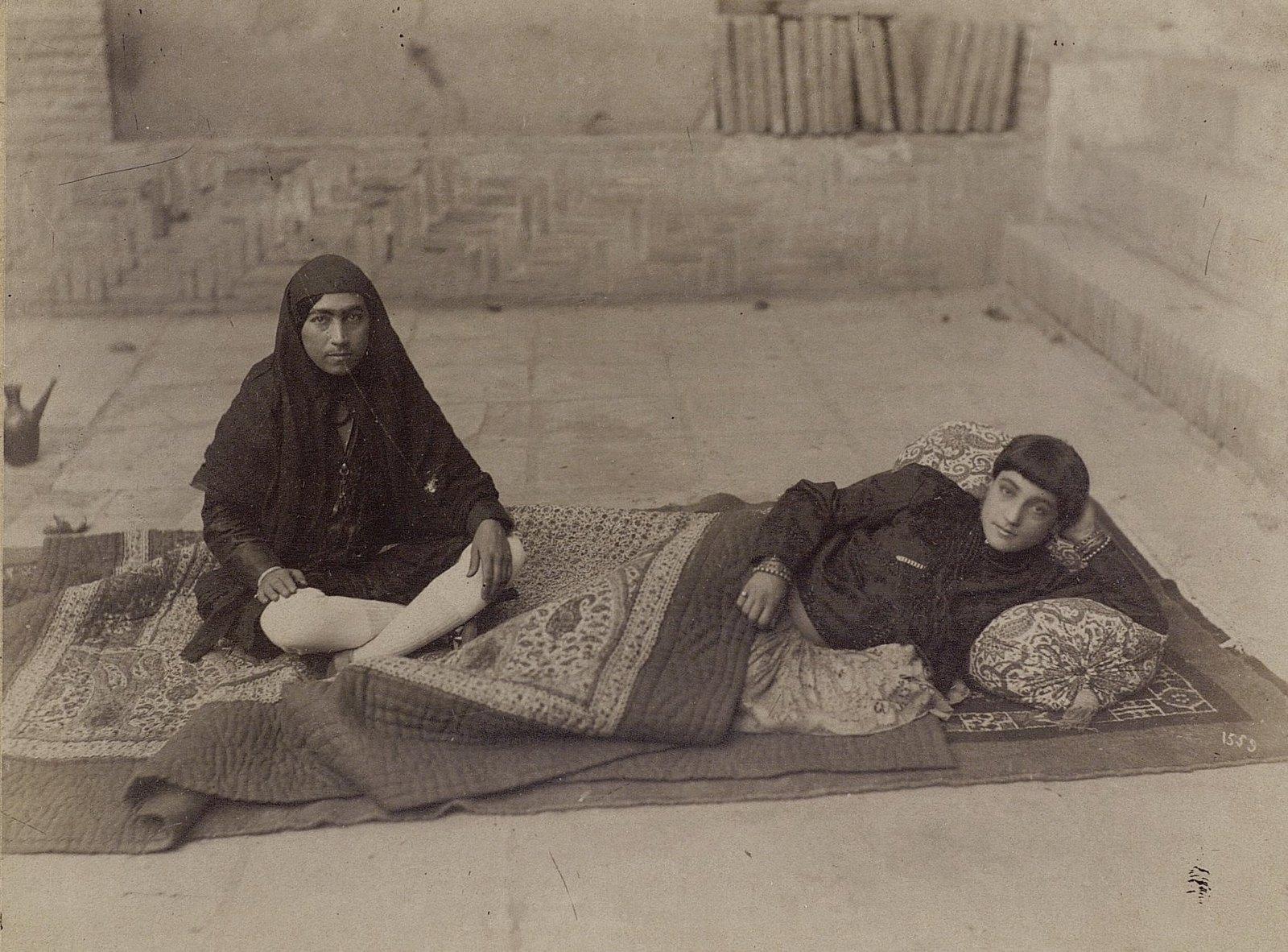 Женщины в эндеруне (внутреннем дворце) (3)