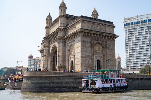 maharashtra arch colonial bombay monument city tourist boats destination structure sea attraction touristic india mumbai architecture gate skyline downtown ferries landscape people port harbor cityscape travel town sky culture famous ancient indian exterior palace gatewayofindia tower british landmark heritage building historic tourism luxury urban