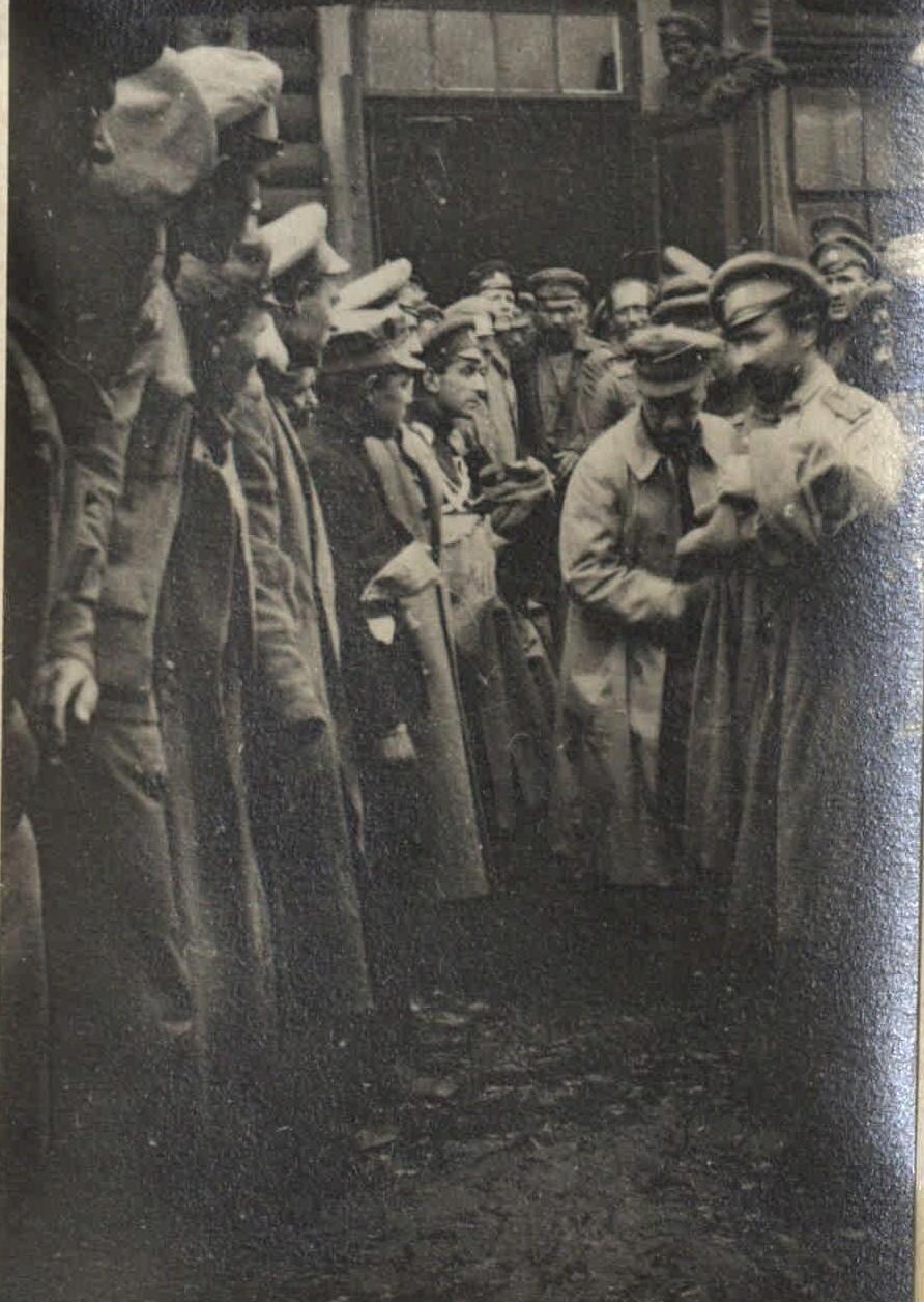 1917. Митинг Керенского на фронте (1)