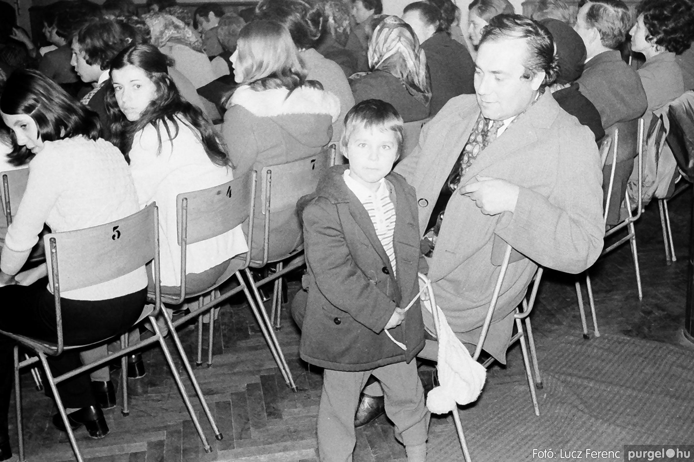 003 1974.11.07. - November 7-i ünnepség 006 - Fotó: Lucz Ferenc IMG01130q.jpg