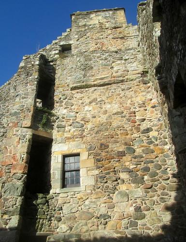 Gable, Castle Campbell, Dollar