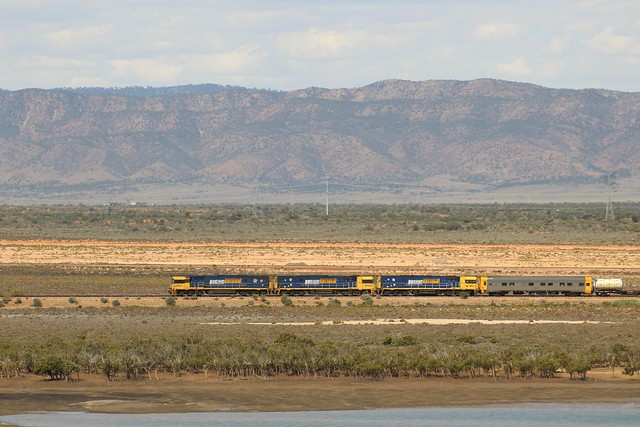 NR53, NR102, NR2 doing shunt work on 5MP2 on the northern end off Spencer Junction on Friday the 1st 2021