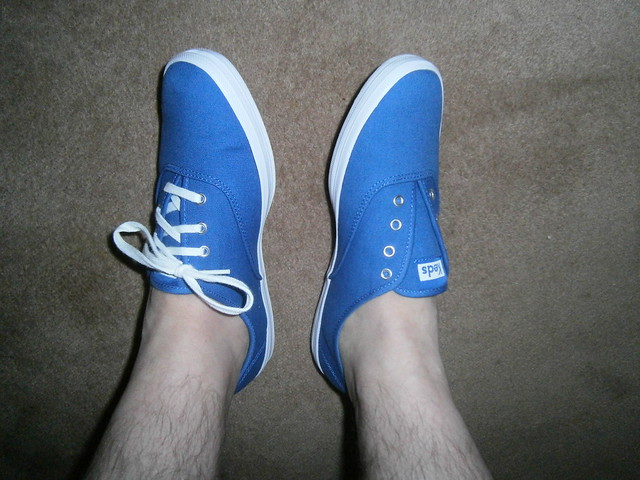 Do my new blue Keds look better with white or blue laces ?