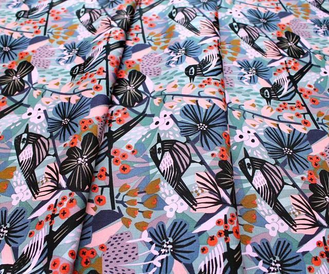 Cloud9 Fabrics Under One Sky 226998 Birds & Blossams キャンバス