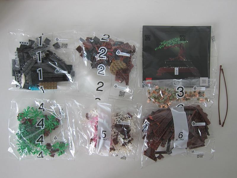 LEGO Bonsai Tree 10281 - Box Contents