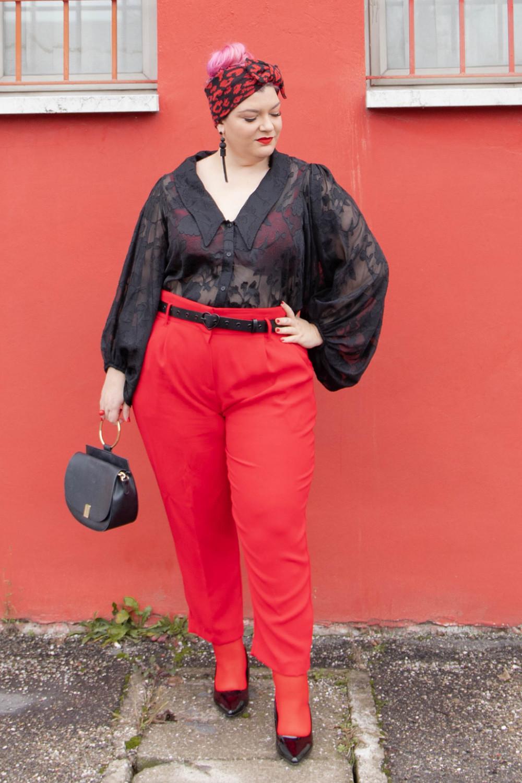 Outfit curvy plus size curvycolorchallenge nero e rosso (3)