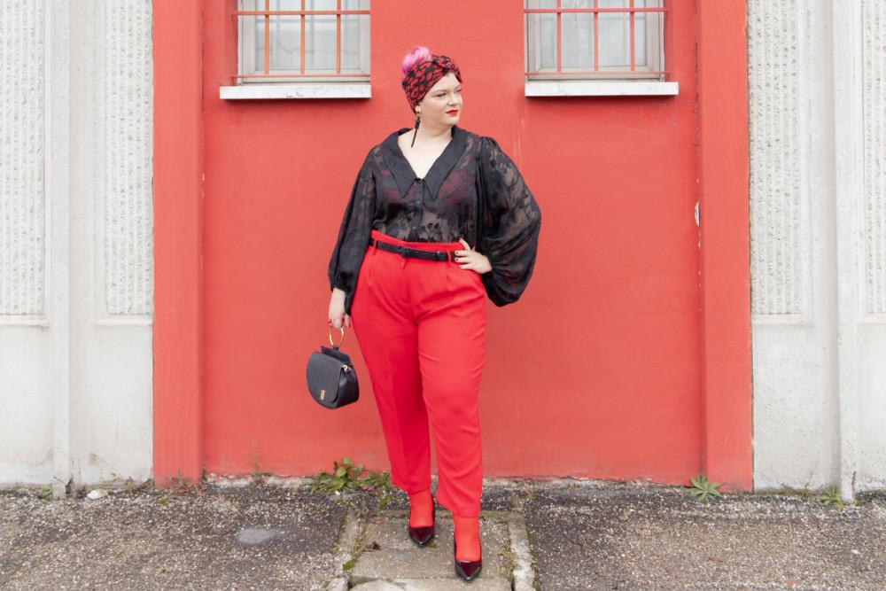 Outfit curvy plus size curvycolorchallenge nero e rosso (2)