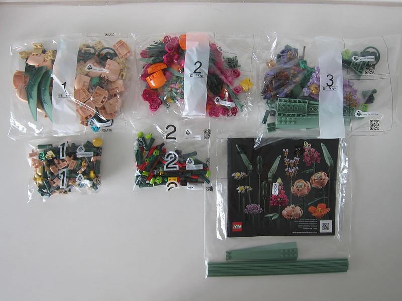 LEGO Flower Bouquet 10280 - Box Contents