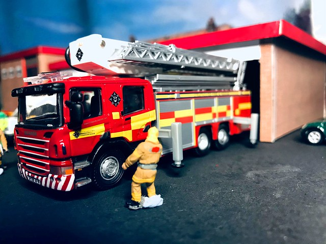 Diorama - Fire Station/Blue Light Campus. 1/76 (OO Gauge).