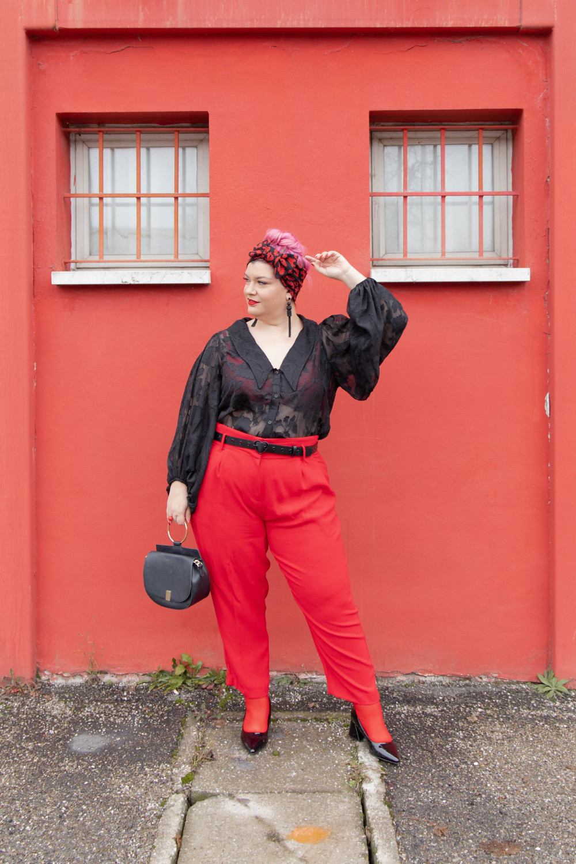 Outfit curvy plus size curvycolorchallenge nero e rosso (8)