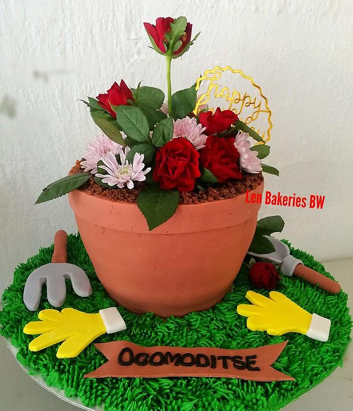 Cake by Goitseone Tsie-Lenyatso of Len Bakeries BW