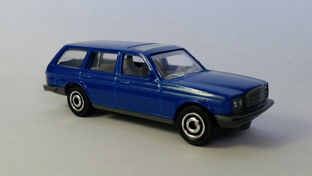 MBX - '80 Mercedes-Benz W123 Wagon