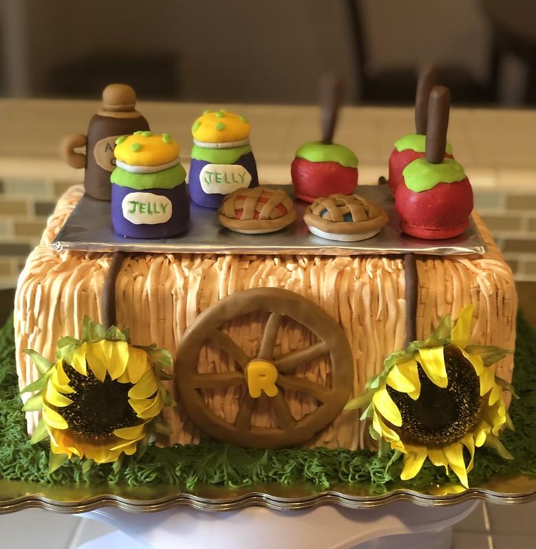 Cake by Ludy's Yummy Cakes
