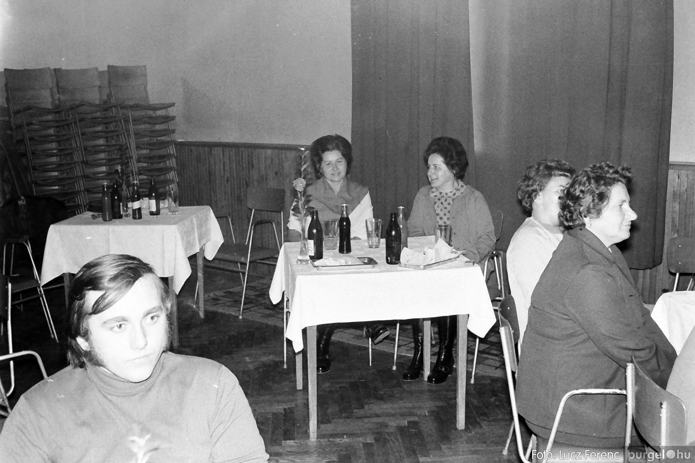 004A 1970-es évek - Kendergyári dolgozók vetélkedője 019 - Fotó: Lucz Ferenc IMG00099q.jpg