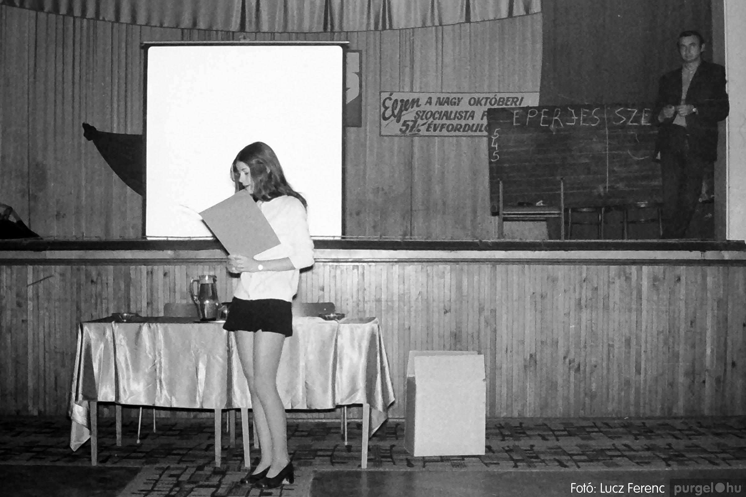 004A 1970-es évek - Kendergyári dolgozók vetélkedője 003 - Fotó: Lucz Ferenc IMG00083q.jpg
