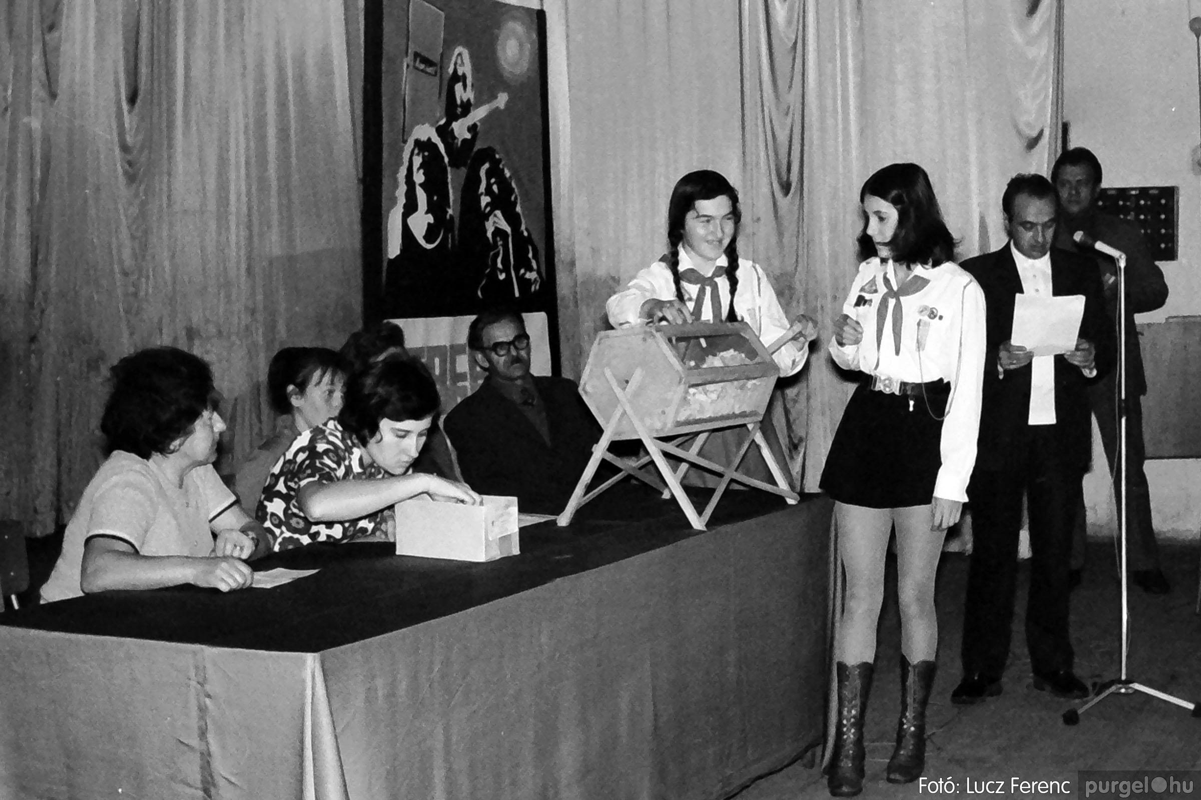 004B 1970-es évek - Sorsolás 003 - Fotó: Lucz Ferenc IMG00067q.jpg