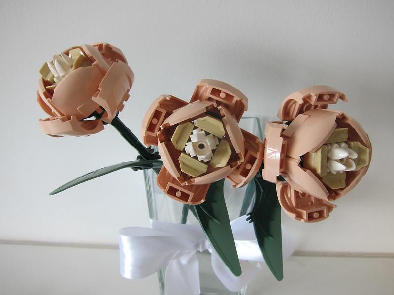 LEGO Flower Bouquet 10280 - 3 Stalks of Roses