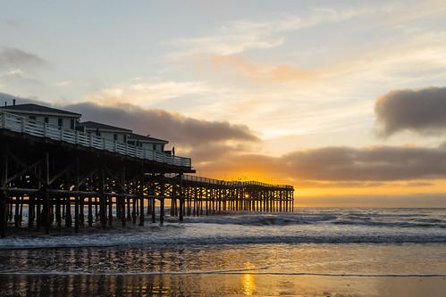 sunset nature canon canon5dmkiv pacificbeachpier sandiego california colors zeiss zeisoncanon zeiss35mm zeissdistagon35f2 distagon235ze travel 2021 color carlzeissdistagont235