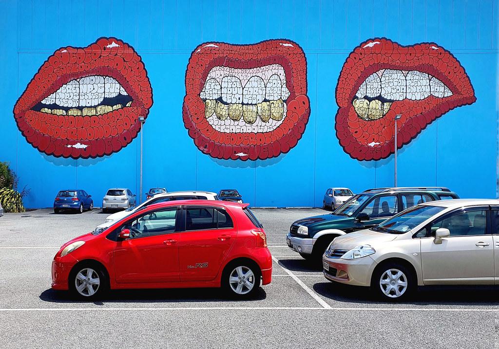 Teeth Mural – Tilt.
