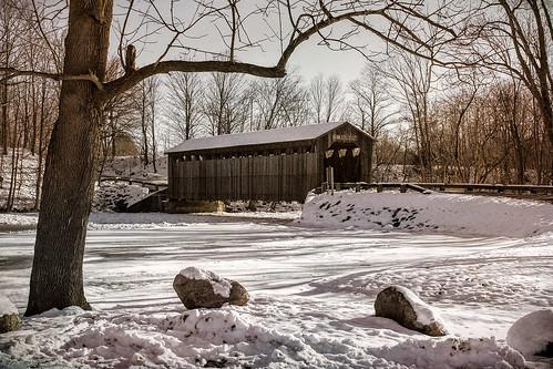 covered bridge fallesburgpark winter snow scenic landscape