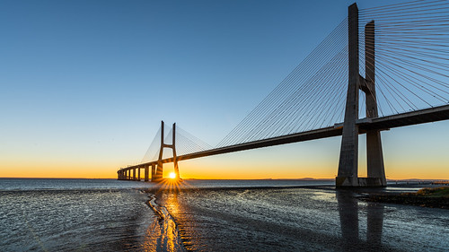 bridge vascodagama lisboa lisbon portugal tejo sunrise blue sky bluesky