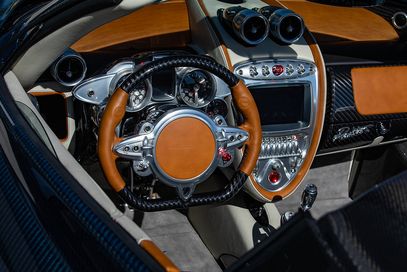 Pagani-Huayra-Roadster-39