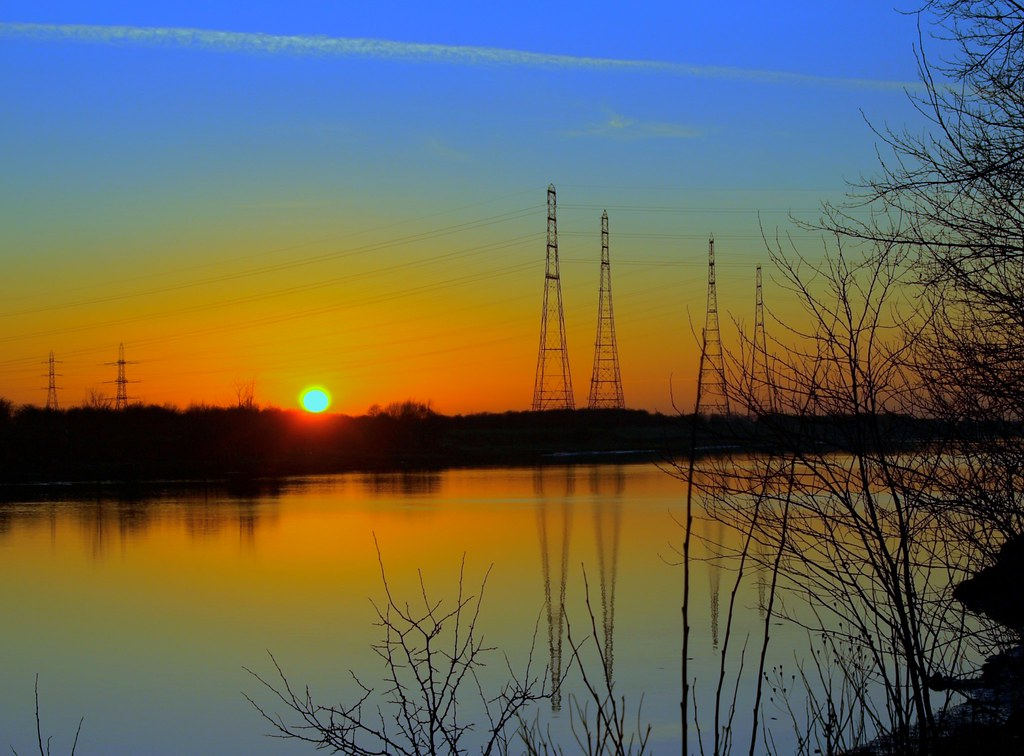 Colours in the evening sky over the Ribble at Preston