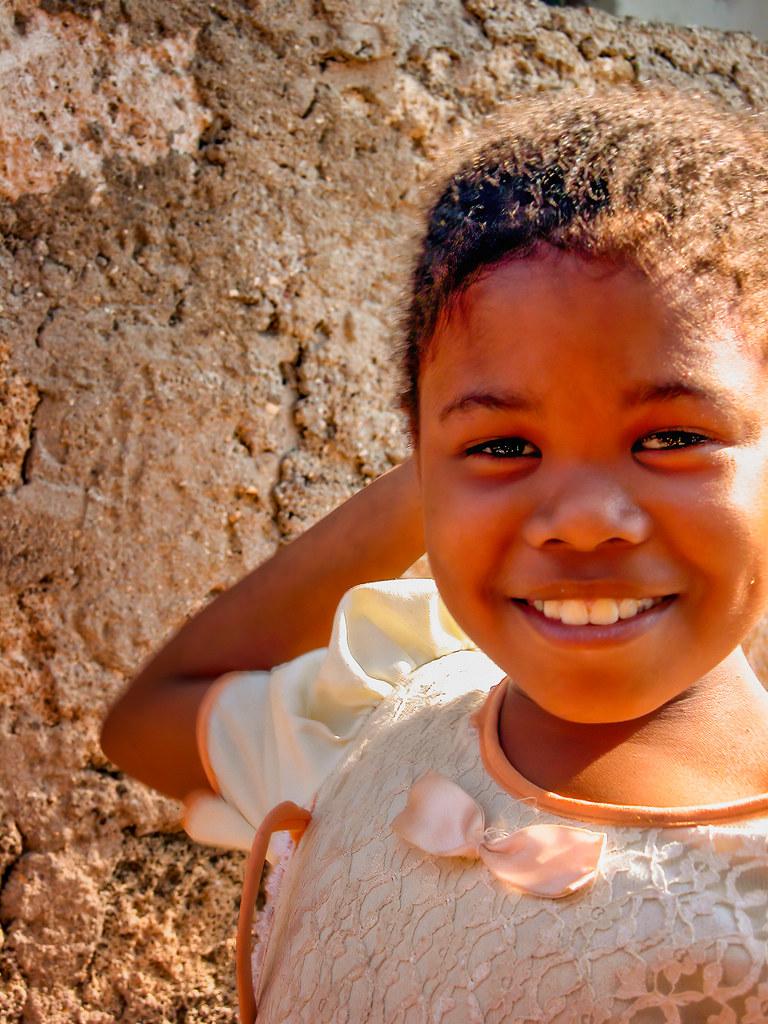 Sourire en coin de Wasini... 50807865082_c3f6f00891_b