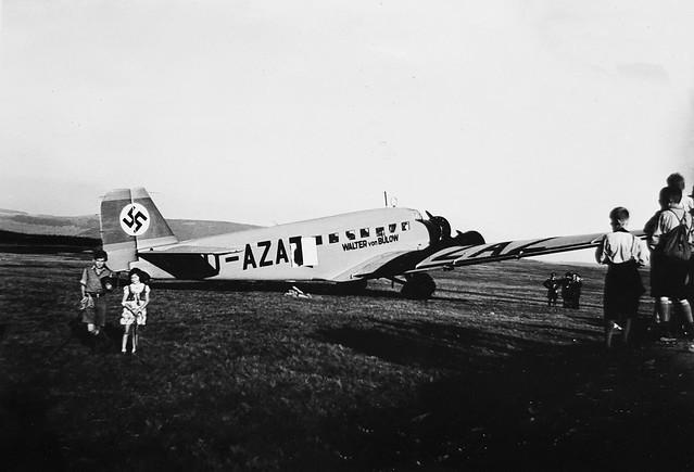 Portrait Klimanek children, Germany, Wasserkuppe airfield, 1936