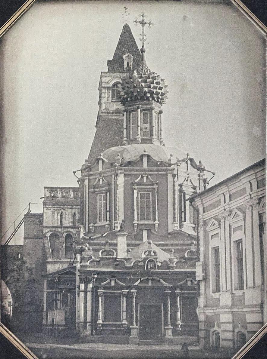 Вид церкви Владимирской богоматери у Никольской башни китайгородской стены. 1855